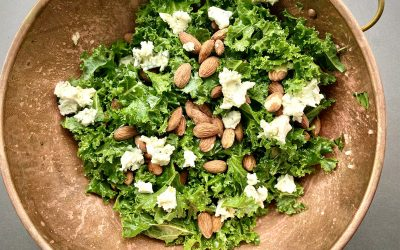 KALE, BLUE & ALMOND SALAD